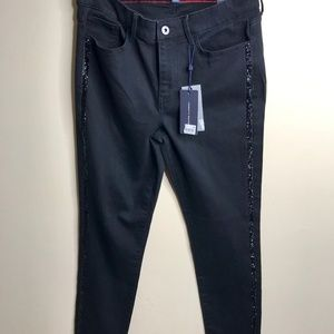 NEW with tags Tommy Hilfiger Skinny-Bling on side